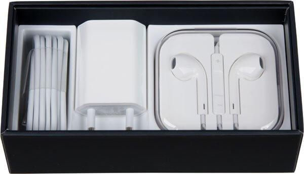 iPhone 5 коробка: документация и кабеля
