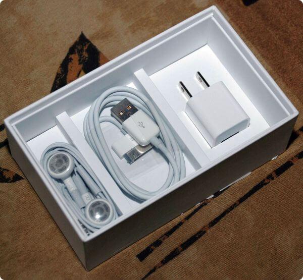 Коробка iPhone 3G от Apple, состав коробки